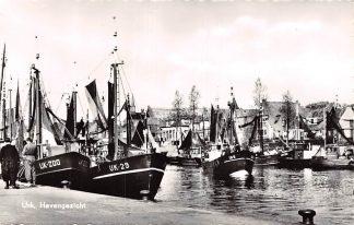 Ansichtkaart Urk Haven Vissers schepen UK 200 - 29 - 8 en 199 HC6718