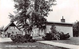 Ansichtkaart Nieuwerbrug aan de Rijn Kleuterschool De Rank School HC6979