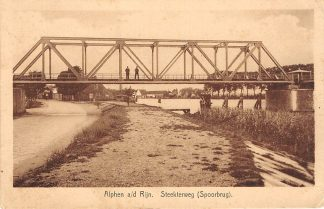 Ansichtkaart Alphen aan den Rijn Steekterweg met Spoorbrug Spoorwegen 1934 HC6987