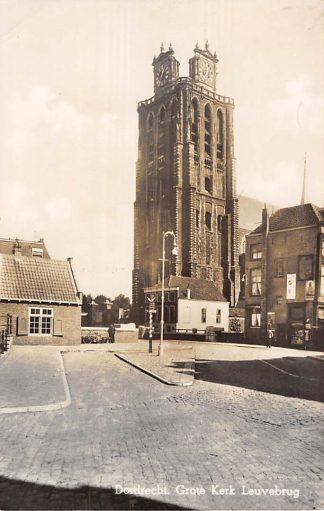 Ansichtkaart Dordrecht Grote Kerk met Leuvebrug HC7120
