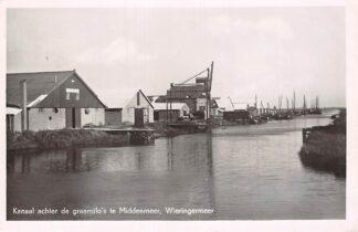 Ansichtkaart Middenmeer Wieringermeer Kanaal achter de graansilo's Vissers schepen HC7135