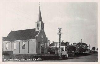 Ansichtkaart St. Johannesga Sintjohannesga Ned. Herv. Kerk 1943 Heerenveen Type fotokaart HC7142