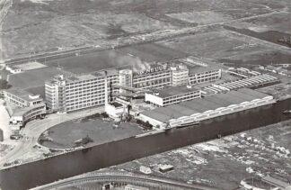Ansichtkaart Rotterdam Kantoor en Fabrieksgebouwen van De Erven de Wed. J. van Nelle N.V. KLM Luchtfoto no. 22076 HC7144