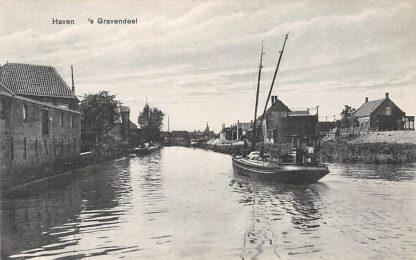 Ansichtkaart 's-Gravendeel Haven met Binnenvaart schip Scheepvaart Hoeksche Waard HC7201