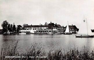 Ansichtkaart Eernewoude Friesland Reclame Hotel Café Restaurant Princenhof met zeilschepen 1961 HC7252