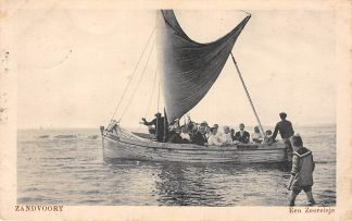 Ansichtkaart Zandvoort Een zeereisje in een vissers schip 1920 Zee HC7288