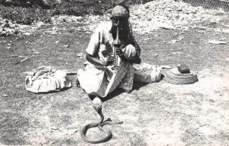 Ansichtkaart Pakistan Fotokaart Chittagong Snake Charmer Slangenbezweerder Azië  HC7451