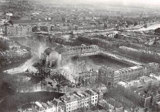 Ansichtkaart Amsterdam Het afgebrande Paleis van Volksvlijt omstreeks 1925 KLM Luchtopname Heruitgave 1975 HC7581