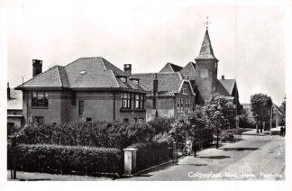 Ansichtkaart Colijnsplaat Ned. Hervormde Kerk met Pastorie 1957 HC7860