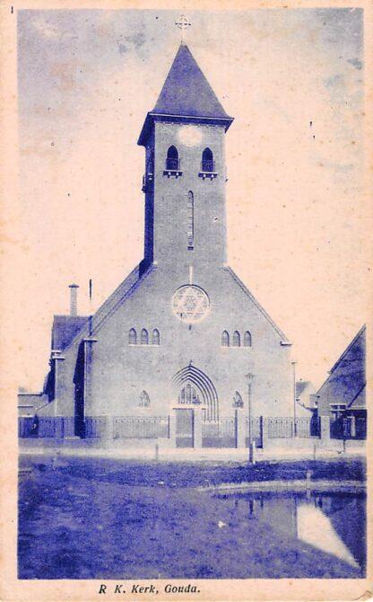 Ansichtkaart Gouda R.K. Scaraments Kerk Korte Akkeren Hoek Van Lennepkade en Tollensstraat HC7907