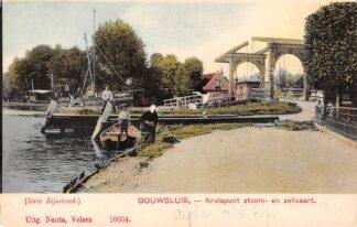 Ansichtkaart Alphen aan den Rijn Gouwsluis Sluis Kruispunt stoom- en zeilvaart Binnenvaart schepen Scheepvaart HC8012