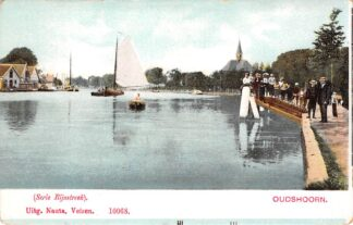 Ansichtkaart Alphen aan den Rijn Oudshoorn Binnenvaart schepen Kerk Binnenvaart schepen Scheepvaart HC8013