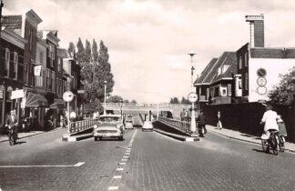 Ansichtkaart Gouda Spoorstraat Garage Herbouwd spoorviaduct 1961 HC8197