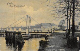 Ansichtkaart Gouda Brug Wachtelstraat Bolwerk Stoom wasserij De Drie Nootebomen 1908 HC8330