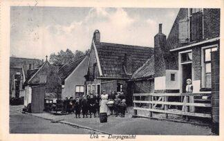 Ansichtkaart Urk Dorpsgezicht Klederdracht HC8339