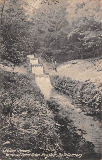 Ansichtkaart Loenen (GD) Veluwe Waterval nabij Hotel Pension De Vrijenberg 1923 Apeldoorn HC8364