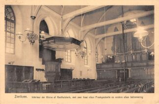 Ansichtkaart Zierikzee Interieur der Kleine of Gasthuis Kerk met zeer fraai eiken Preekgestoelte en verder eiken betimmering HC8618