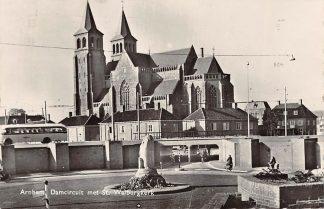 Ansichtkaart Arnhem Damcircuit met St. Walburgskerk en bus HC8627