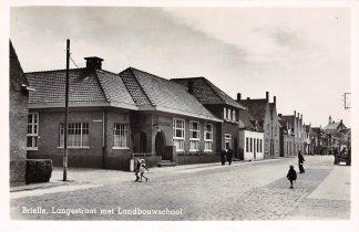 Ansichtkaart Brielle Langestraat met Landbouwschool School 1952 HC8649