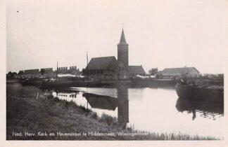 Ansichtkaart Middenmeer Wieringermeer Ned. Hervormde Kerk en Havenstraat 1949 Binnenvaart schepen HC8662