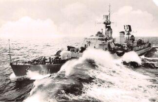 Ansichtkaart Den Helder Marine Hr. Ms. Jager Gelderland D 811 Schepen Scheepvaart HC8696