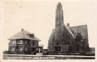 Ansichtkaart Waddinxveen Gereformeerde Kerk en Pastorie Type fotokaart HC8866