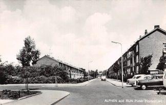 Ansichtkaart Alphen aan den Rijn Pieter Florisstraat Auto 1968 HC8880