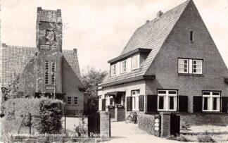 Ansichtkaart Vinkeveen Gereformeerde Kerk met Pastorie HC9102