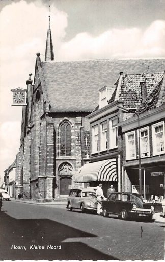 Ansichtkaart Hoorn Kleine Noord met Kerk en auto HC9114