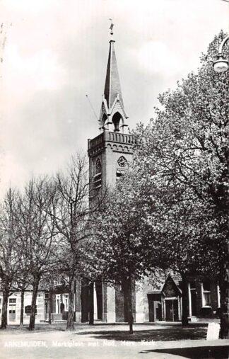 Ansichtkaart Arnemuiden Marktplein met Ned. Hervormde Kerk 1966 HC9124