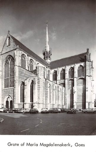 Ansichtkaart Goes Grote of Maria Magdalena kerk Auto 1975 HC9133