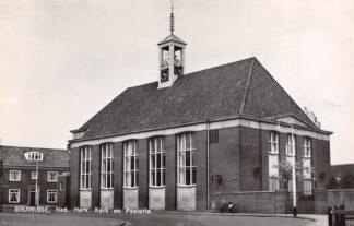 Ansichtkaart Bruinisse Ned. Hervormde Kerk en Pastorie 1967 HC9165