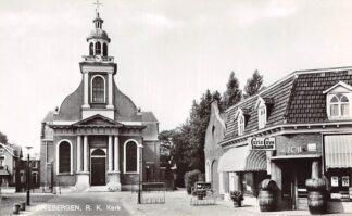 Ansichtkaart Driebergen R.K. Kerk met slijterij Curio Cave Van Zon 1969 HC9187