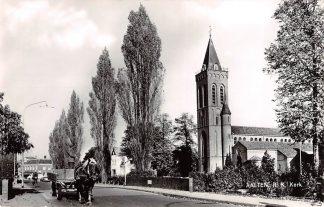 Ansichtkaart Aalten Hervormde Kerk met Paard en wagen 1966 HC9216