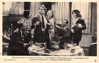 "Ansichtkaart Film Filmster Roland Verno Annie van Duyn Joh. Kaart Jr. Enny Meunier Louis Borel en Jopie Koopman in ""Malle gevallen"" Loet C. Barnstijn Film 2 HC9244"