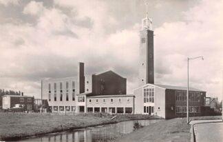 Ansichtkaart Rotterdam Schiebroek Kastanjeplein met Ned. Hervormde Kerk 1957 HC9255