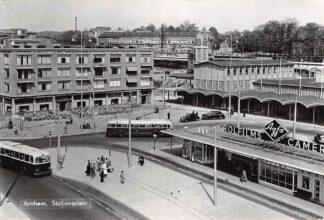 Ansichtkaart Arnhem Stationsplein Station Busstation Bus HC9347