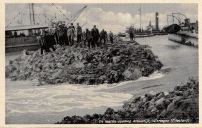 Ansichtkaart Wieringen 1932 De laatste opening Afsluitdijk IJsselmeer Friesland Flevoland Schepen Scheepvaart HC9366