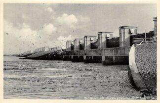 Ansichtkaart Wieringen Den Oever 1932 Het spuien der Uitwateringssluizen Afsluitdijk IJsselmeer Friesland Flevoland HC9370