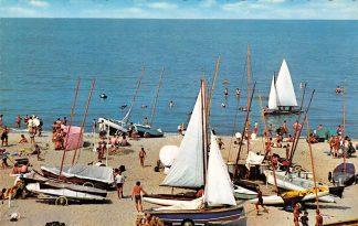Ansichtkaart Noordwijk aan Zee Zeilen op Zee Strand Schepen HC9567