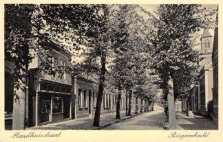Ansichtkaart Bergambacht Raadhuisstraat 1945 HC9660