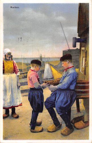 Ansichtkaart Marken Kinderen in klederdracht 1937 HC10017