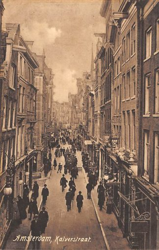 Ansichtkaart Amsterdam Kalverstraat met volk 1908 HC10039