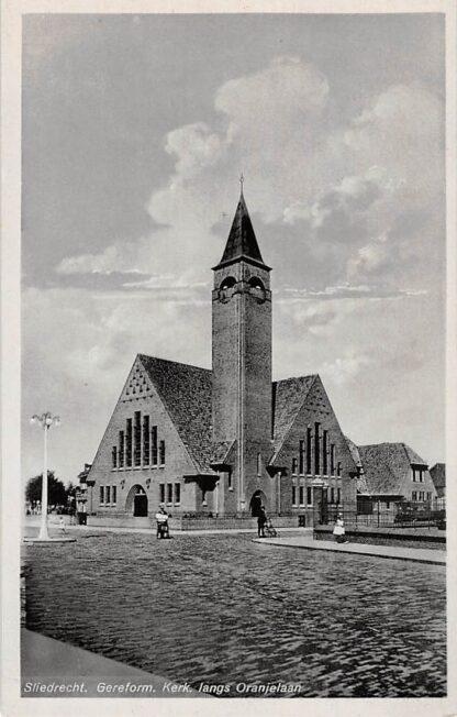 Ansichtkaart Sliedrecht Gereformeerde Kerk langs Oranjelaan HC10345