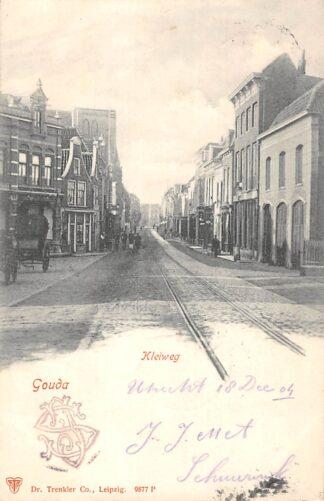 Ansichtkaart Gouda Kleiweg met niet afgebouwde R.K. kerk en tramrails 1904  HC10349