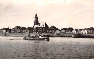 Ansichtkaart Lekkerkerk Rivierzijde met veerpont 1958 Binnenvaart schepen Scheepvaart HC10370