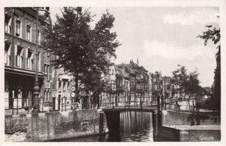 Ansichtkaart Gouda Turfmarkt hoek Lage Gouwe 1949 HC10376