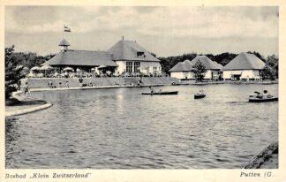 """Ansichtkaart Putten Bosbad """"Klein Zwitserland"""" Zwembad 1955 HC10781"""