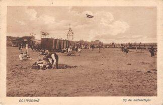 Ansichtkaart Oostvoorne Bij de badkoetsjes op het strand Vliegtuig HC10972
