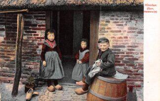 Ansichtkaart Hierden Gem. Harderwijk Boerenkinderen in klederdracht Veluwe HC11108